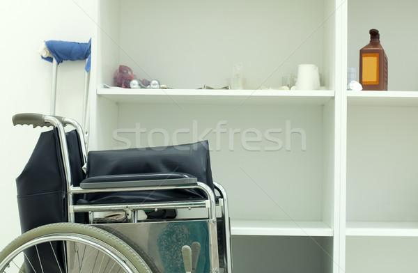 Médicos ortopédico cirugía silla de ruedas muletas salud Foto stock © deyangeorgiev