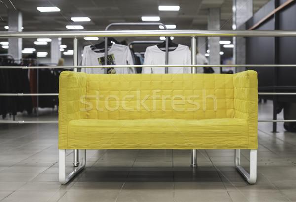 Klein sofa Geel winkel licht home Stockfoto © deyangeorgiev