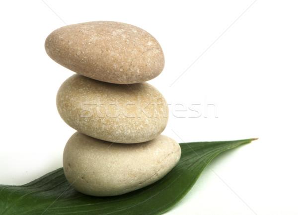 Pedras verde branco isolado Foto stock © deyangeorgiev