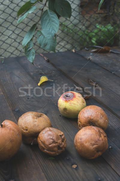 Marcio mele legno giorno luce alimentare Foto d'archivio © deyangeorgiev