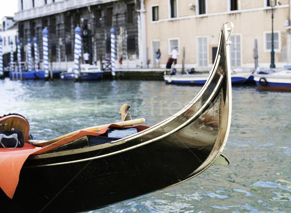 Antigua góndola Venecia negro agua Foto stock © deyangeorgiev