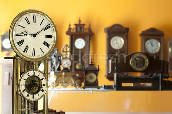 Oude antieke klokken wazig tijd Stockfoto © deyangeorgiev