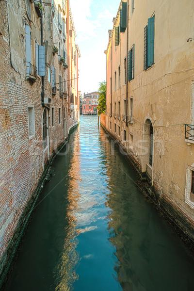 древних зданий канал Венеция лодках дома Сток-фото © deyangeorgiev