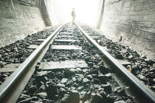 Nino caminando ferrocarril túnel vintage ropa Foto stock © deyangeorgiev