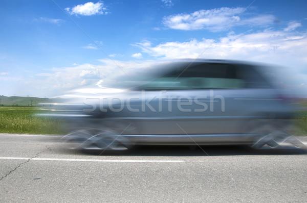 à grande vitesse floue voiture ciel bleu route Voyage Photo stock © deyangeorgiev