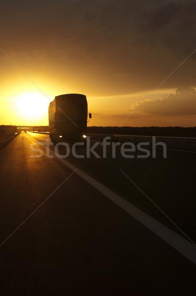 Kamyon gün batımı seyahat gündoğumu ülke Stok fotoğraf © deyangeorgiev