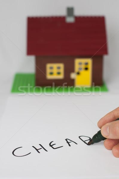 Tekst goedkoop huis hand schrijven gebouw Stockfoto © deyangeorgiev