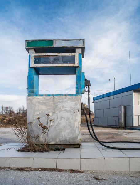 öreg benzinkút pumpa klasszikus kék ég autó olaj Stock fotó © deyangeorgiev