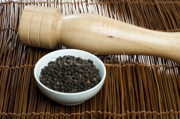 чаши черный перец мельница для перца продовольствие кухне Сток-фото © deyangeorgiev