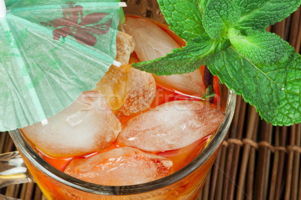 Glas mint vruchten bladeren Stockfoto © deyangeorgiev