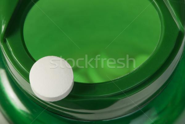 Branco pílulas recipiente médico saúde Foto stock © deyangeorgiev