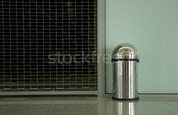 Metallic Papierkorb Container Metall Umwelt kann Stock foto © deyangeorgiev