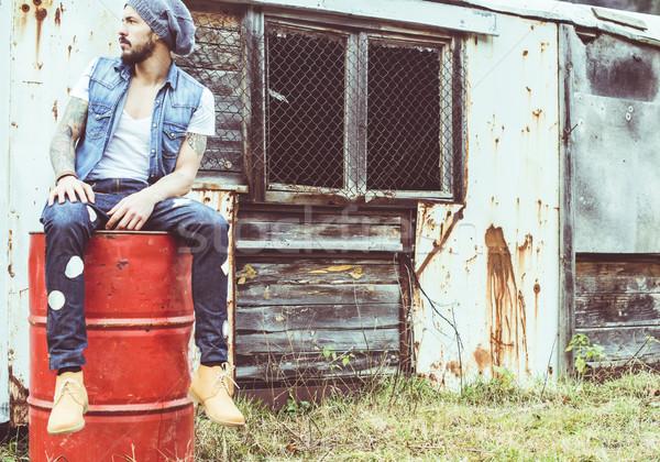 Homens vintage jovens música natureza urbano Foto stock © deyangeorgiev
