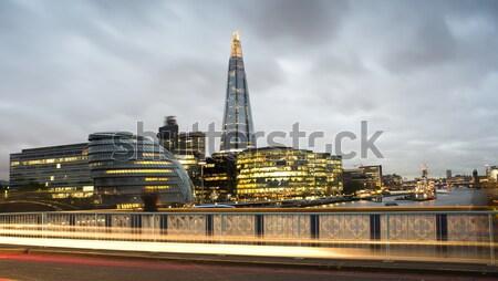 Ville Londres thames coucher du soleil lumières de la ville bureau Photo stock © deyangeorgiev