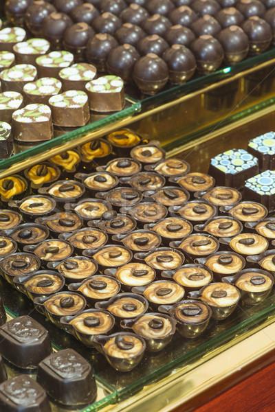 Csokoládé cukorka bolt ablak áll étel Stock fotó © deyangeorgiev
