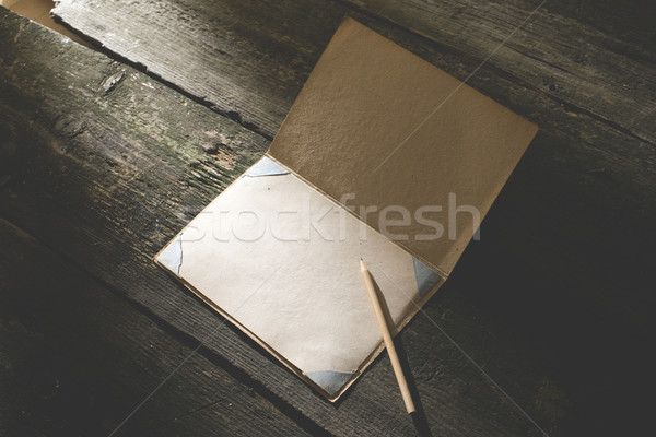 Vintage matita disegno carta debole luce del sole Foto d'archivio © deyangeorgiev