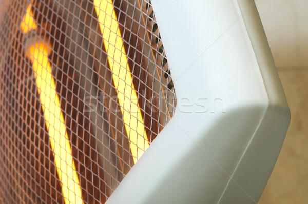 électriques chauffage halogène maison rouge Photo stock © deyangeorgiev
