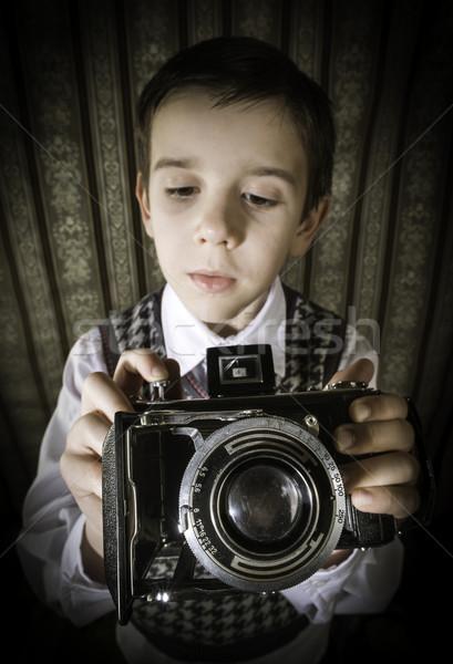 Stock fotó: Gyermek · elvesz · képek · régi · fényképezőgép · fiú · klasszikus