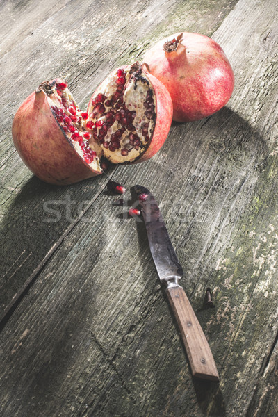 Nar ahşap masa bağbozumu meyve tablo içmek Stok fotoğraf © deyangeorgiev