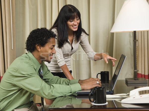 Zakenreis gelukkig laptop team business team goede Stockfoto © dgilder