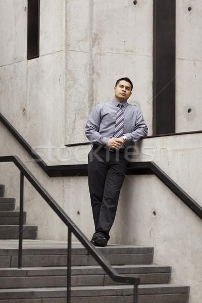 Сток-фото: Hispanic · бизнесмен · лестниц · рельс · складе