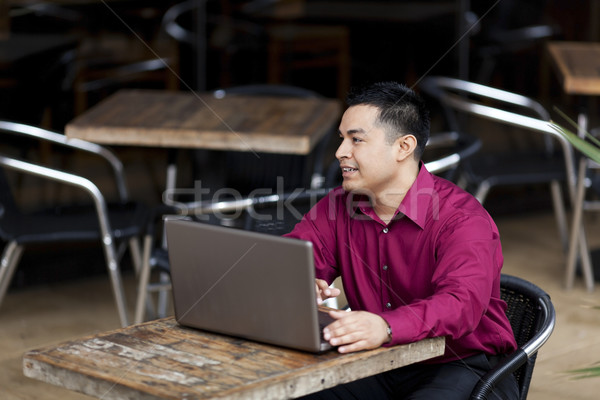 Spanyol üzletember otthoni munka internet kávézó stock Stock fotó © dgilder