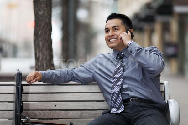 Latino zakenman praten mobiele telefoon voorraad foto Stockfoto © dgilder