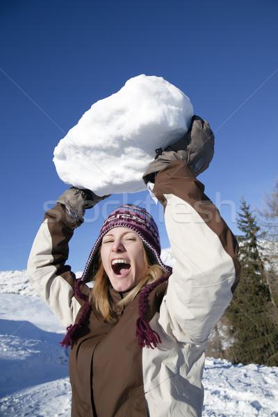 Hógolyó elöl kilátás fiatal nő dob hatalmas Stock fotó © diego_cervo