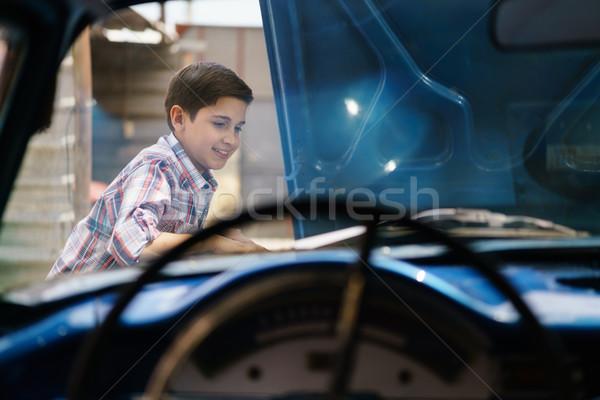 Meglepett unoka tanul megjavít régi autó gép Stock fotó © diego_cervo