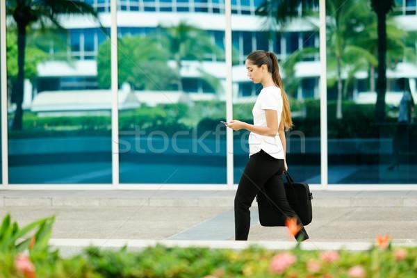ビジネス女性 女性 コミューター 徒歩 オフィス ストックフォト © diego_cervo