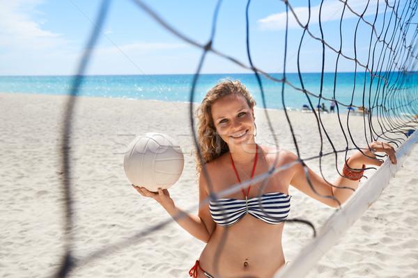 Portret kobieta siatkówka gry plaży siatkówka Zdjęcia stock © diego_cervo