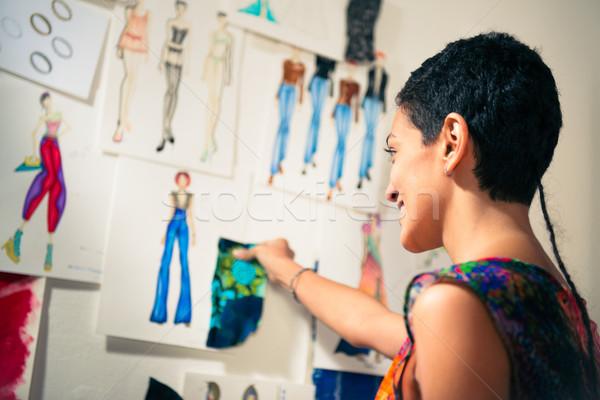 Stockfoto: Vrouwelijke · mode · ontwerper · tekeningen · studio · jongeren