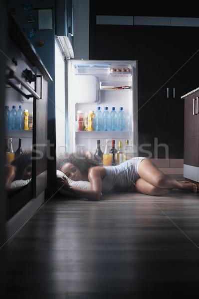 Siyah kadın uyanık ısı dalga uyku buzdolabı Stok fotoğraf © diego_cervo