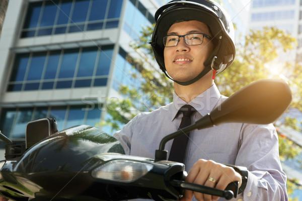 Chinês empresário viajante habitual motocicleta jovem Foto stock © diego_cervo