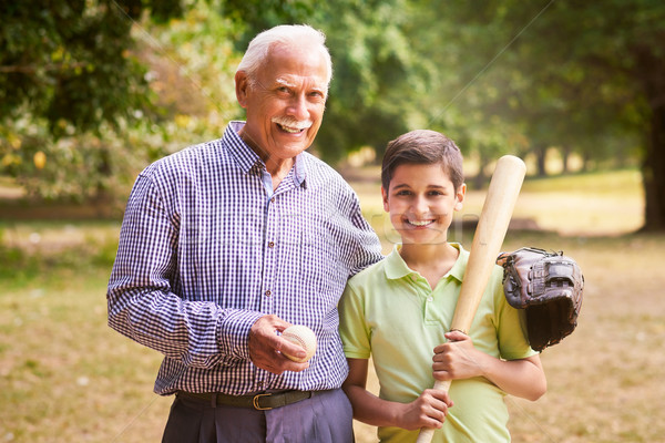 Foto stock: Retrato · família · feliz · avô · menino · jogar · beisebol