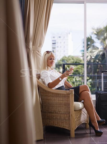 Foto stock: Mujer · de · negocios · teléfono · móvil · adulto · caucásico · gerente
