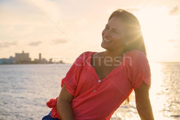 Stok fotoğraf: Portre · genç · kadın · gülümseme · mutlu · deniz · güzellik