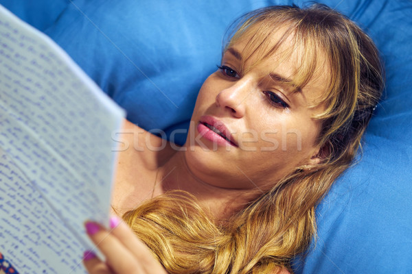 Dziewczyna bed płacz miłości list chłopak Zdjęcia stock © diego_cervo