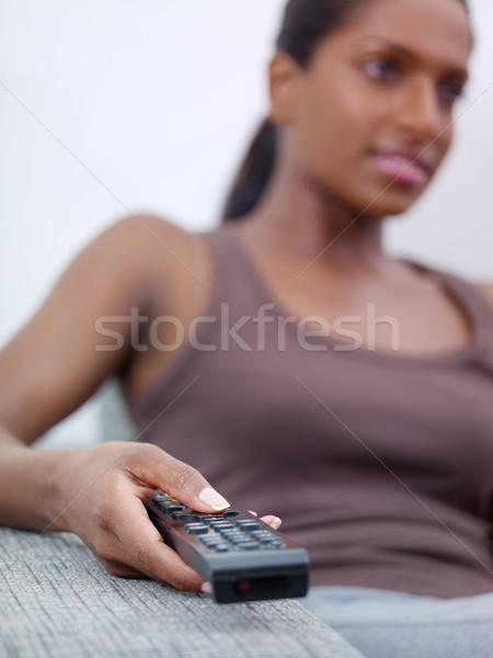 Foto d'archivio: Donna · telecomando · guardare · tv · adulto