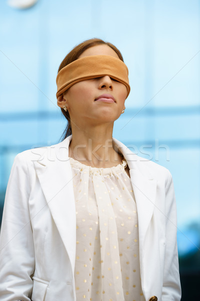 Bekötött szemű spanyol üzletasszony irodaház jövő előrejelzés Stock fotó © diego_cervo