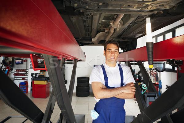 Foto stock: Mecánico · retrato · pie · coche · armas · doblado