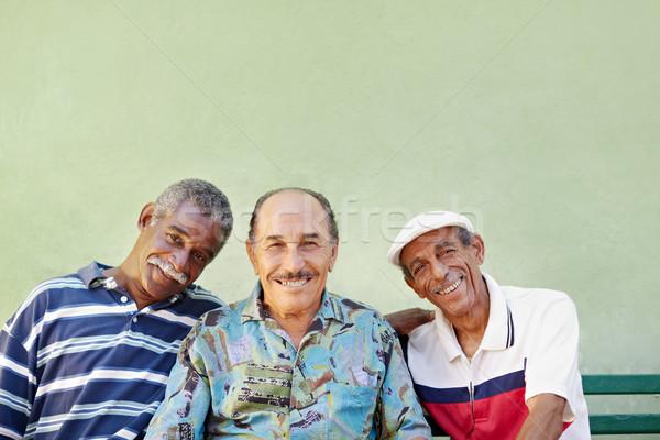 Foto stock: Hombre · sonriendo · cámara · retrato · altos