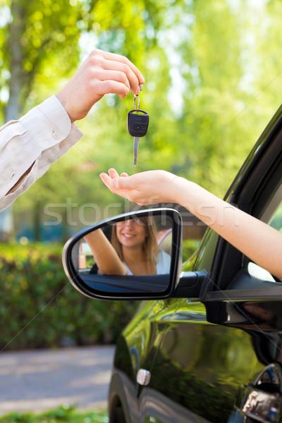 Araba kadın kol araba anahtarları Stok fotoğraf © diego_cervo