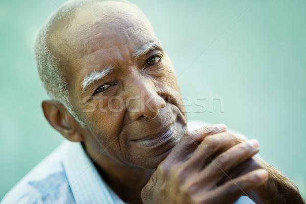 Mutlu eski siyah adam gülen kamera Stok fotoğraf © diego_cervo