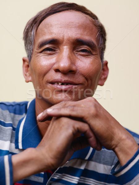 ストックフォト: 成熟した · アジア · 男 · 笑みを浮かべて · 見える · カメラ