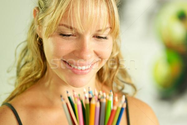 Stock fotó: Fiatal · női · művész · tart · színes · ceruzák