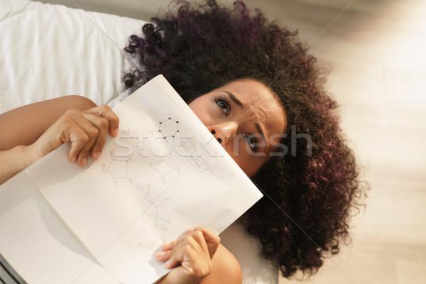Preocupado estudante estudar química faculdade lição de casa Foto stock © diego_cervo