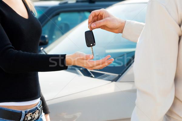 Сток-фото: автомобилей · мнение · человека · ключи · от · машины · женщину