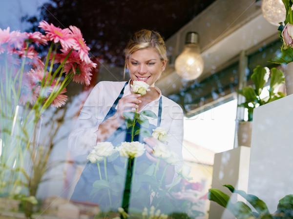 Stockfoto: Blond · meisje · werken · bloemen · winkel · rozen