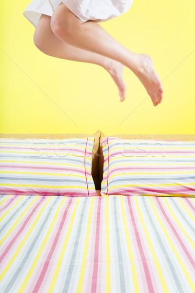 Mattina jumping letto strisce foglio Foto d'archivio © diego_cervo